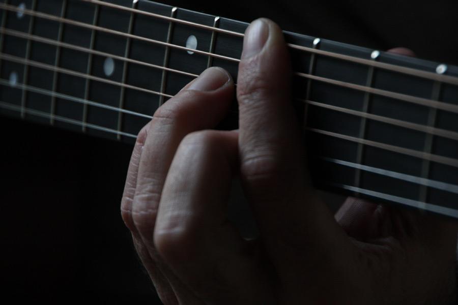 バンドギタリストはバッキングプレイで聴かせよう